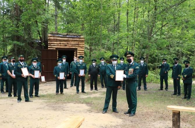 Брянские лесники благоустроили «Штаб партизанской бригады»