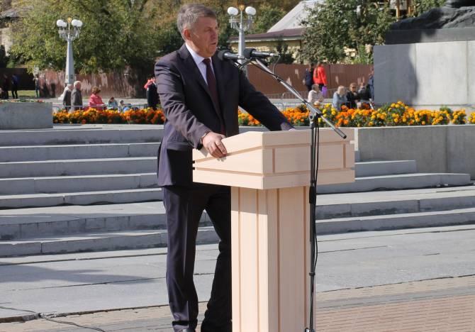 На брянского губернатора выделили 4000 квадратных сантиметров газеты