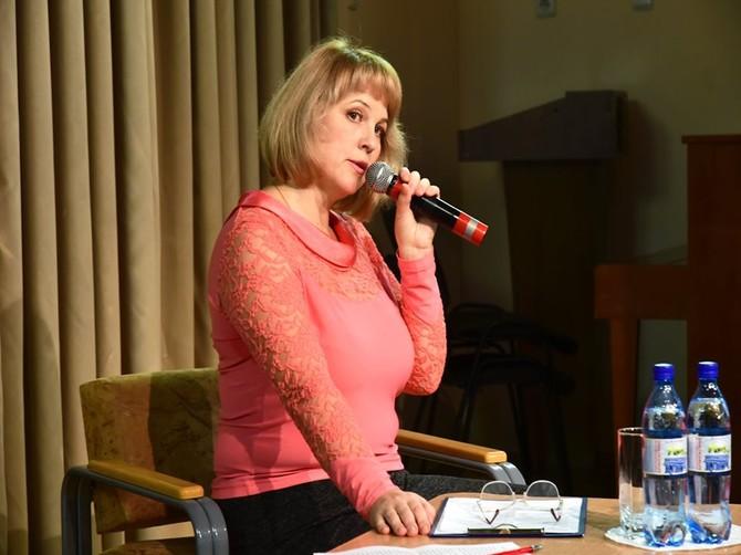 Актриса Марина Финогенова раскрыла юным брянцам секреты своего успеха