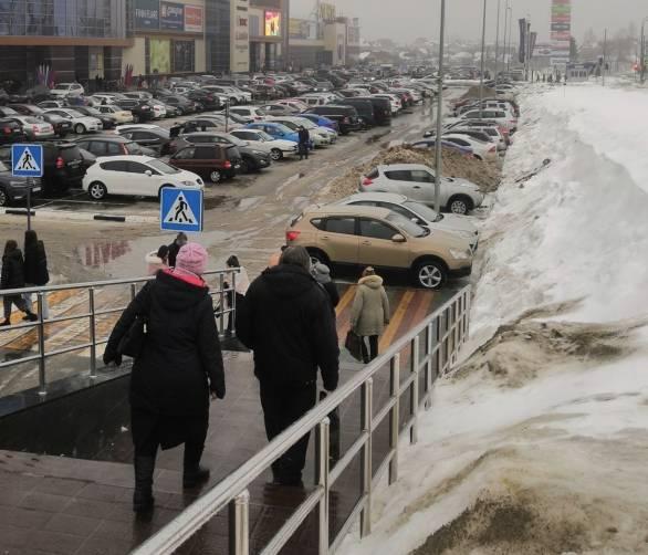 Накануне 23 февраля брянцы атаковали торговые центры
