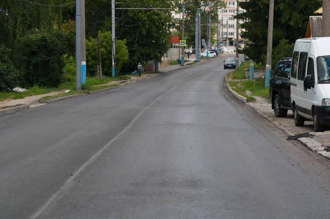 В Брянске завершили укладку асфальта на улице Фокина