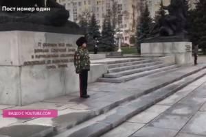 Брянские школьники и начальник поста №1 ответили блогеру Коломейцеву