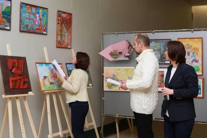 Брянским художникам выделили на 4 года бесплатные помещения