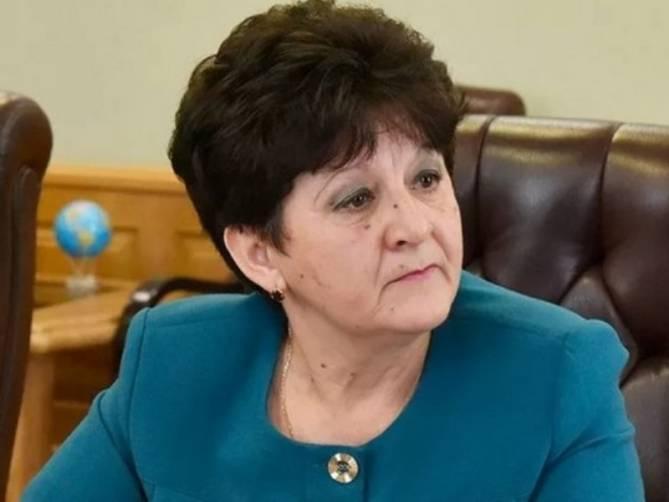 Глава администрации Комаричского района незаконно получила 300 тысяч рублей