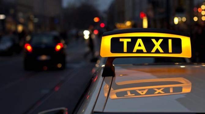 В Брянске водитель «Яндекс.Такси» чуть не задавил пассжирку