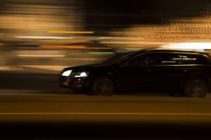 В Почепе водители устраивают ночные гонки на улице Мглинской