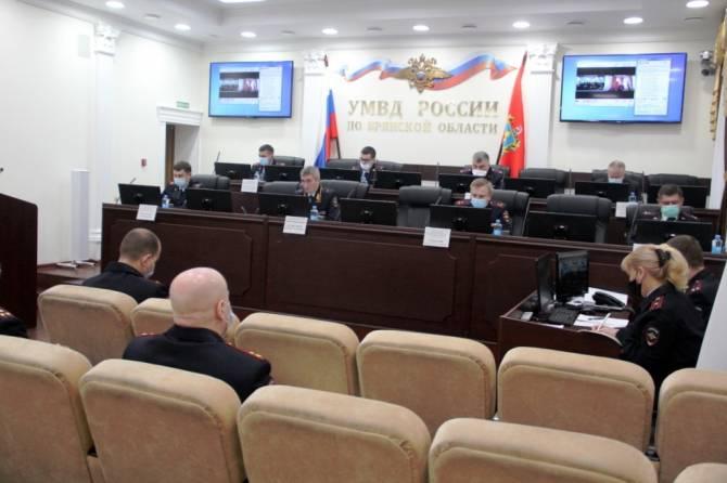 Замминистра МВД России поблагодарил брянскую полицию за хорошую службу