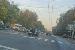 В Брянске дорогу не поделили два автомобиля