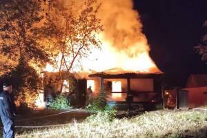 В Трубчевске рассказали о крупном ночном пожаре