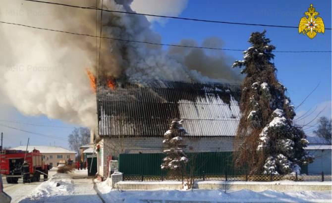 В Мглине загорелась мансарда жилого дома