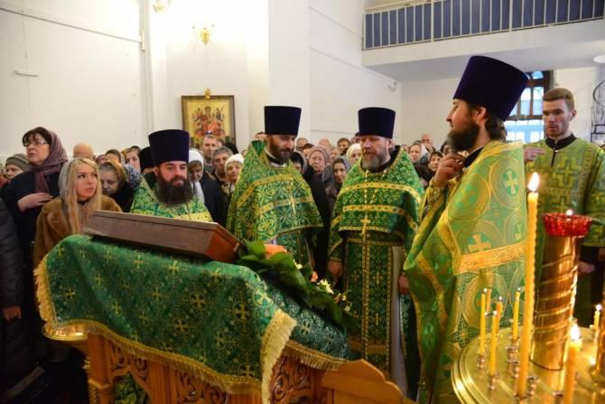 В брянском храме почтили память Иоанна Кронштадтского
