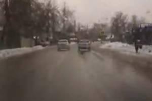 В Брянске сняли на видео лихача на улице Менжинского
