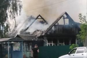 В Брянском посёлке Радица-Крыловка загорелся частный дом