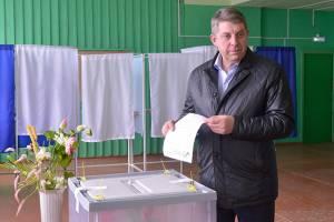 Губернатора Богомаза назначили ответственным за вбросы на выборах