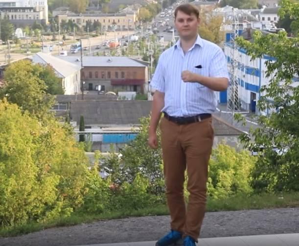 Брянский фотограф Артем Малашенко спел песню о родном городе