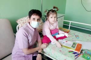 Фонд «Ванечка» оплатил для девочки из Клинцов два слуховых аппарата за 120 тысяч рублей