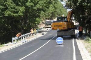 В брянском поселке Комаричи завершается строительство дороги по улице Колхозной