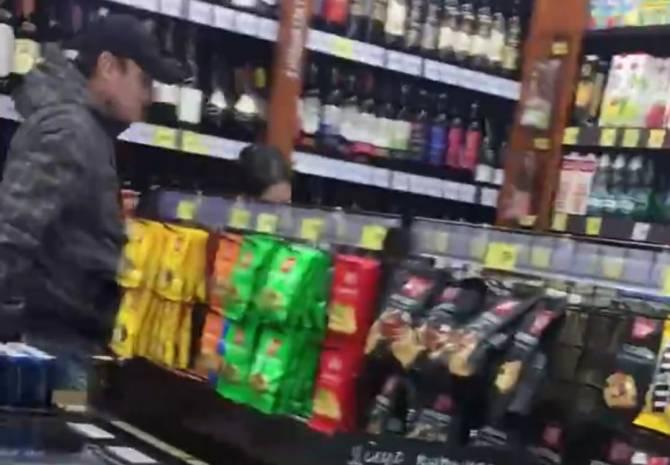В Брянске в магазине «Красное и Белое» подрались женщины
