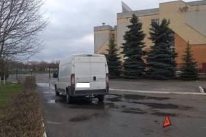 В Брянске водитель микроавтобуса сбил двух учащихся лицея №1