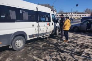За сутки в брянских троллейбусах и автобусах поймали пятерых «безмасочников»