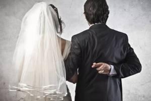 Женатый азербайджанец заключил брак с жительницей Брянска