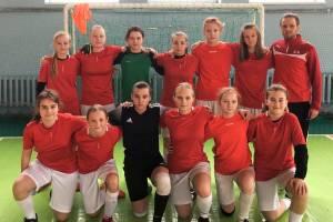 Брянские девочки успешно сыграли в футбол против мальчиков