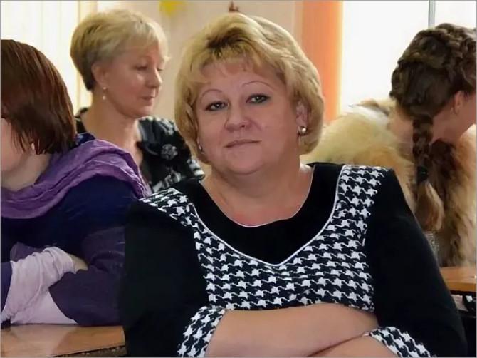 Проректор Брянского госуниверситета получила взятку за сына директора казачьего института