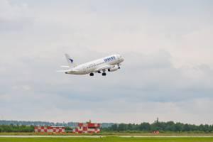 Из Брянска в Симферополь вылетел последний в этом году самолет