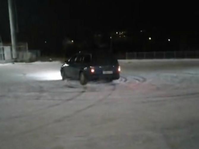 В Брянске сняли на видео дрифтеров возле фокинской «Линии»