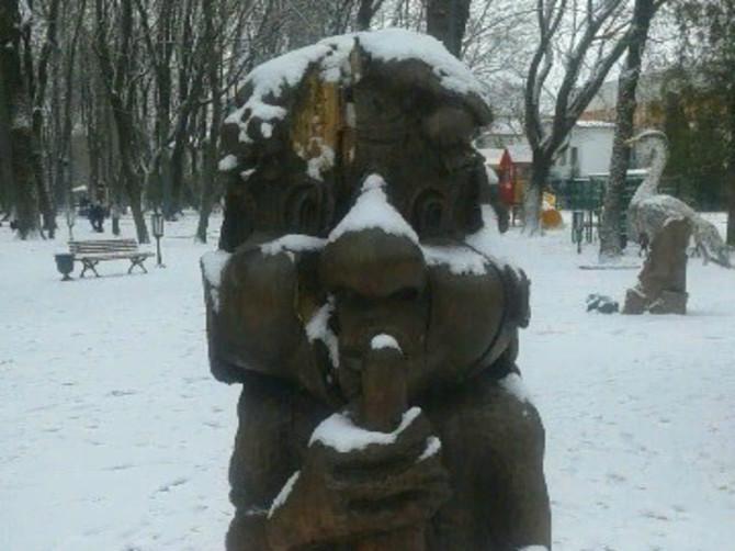 В парке Толстого в Брянске разрушается деревянная скульптура