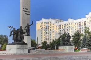 Глава и мэр Брянска поздравили местных жителей с Днем партизан и подпольщиков