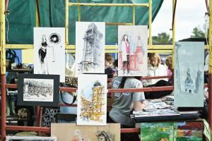 В Брянске открылся необычный фестиваль скетчинга