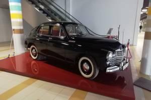 В ТРЦ «Кристалл» Дятьково установили легендарный автомобиль «Победа»