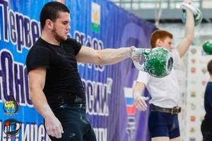 Новозыбковец Денис Анищенко стал чемпионом России по гиревому спорту