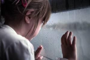 В Брянске выставили на Avito маленькую девочку Дашу