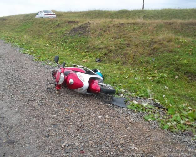 В Клинцах 14-летний подросток разбился на скутере