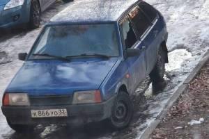Ночью в Шибенце налетчики разгромили легковушку и украли аккумулятор