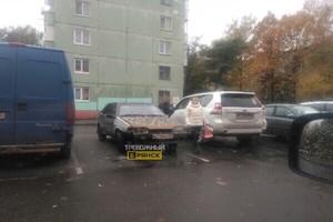 В Брянске на парковке сфотографировали «машину смерти»