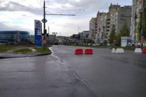 В Брянске закрытую дорогу на улице Объездной пешеходы превратили в тротуар