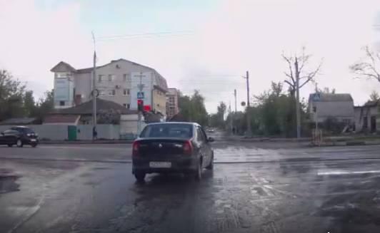 В Брянске таксист разом нарушил несколько правил дорожного движения