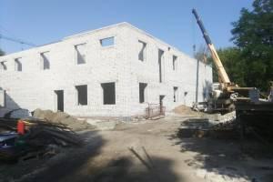 В Брянске у пристройки к школе искусств №3 появился второй этаж