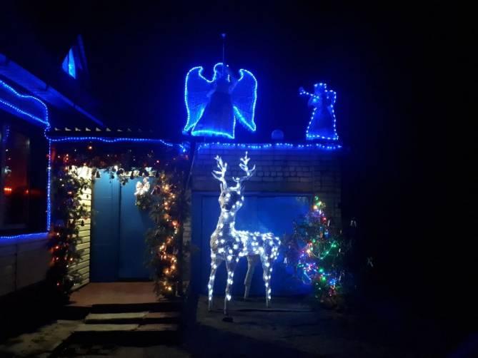 Брянское село засияло огнями во время новогодних праздников