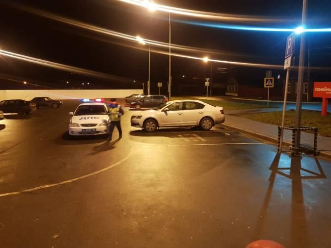 В Новозыбкове на парковке у гипермаркета поймали «лже-инвалида»