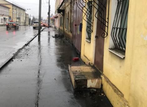 Брянцы попали под грязевой душ на улице Калинина