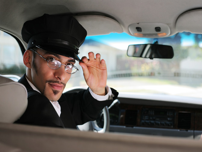 В Брянске таксист спас автоледи на парковке ТРЦ «Аэропарк»