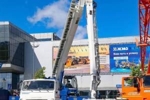Клинцовский автокрановый завод покажет новую разработку в Москве