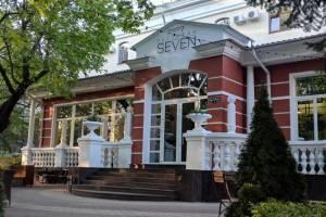 Брянским кафе из-за COVID-19 запретили работать с полной загрузкой