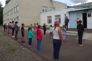 В пришкольные лагеря Трубчевского района наведались сотрудники МЧС
