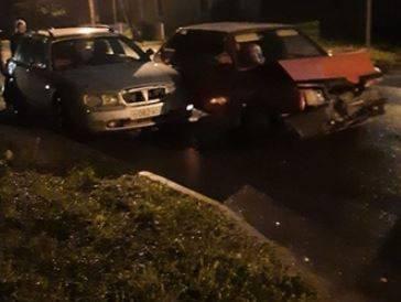 В Брянске на пешеходном переходе столкнулись три автомобиля