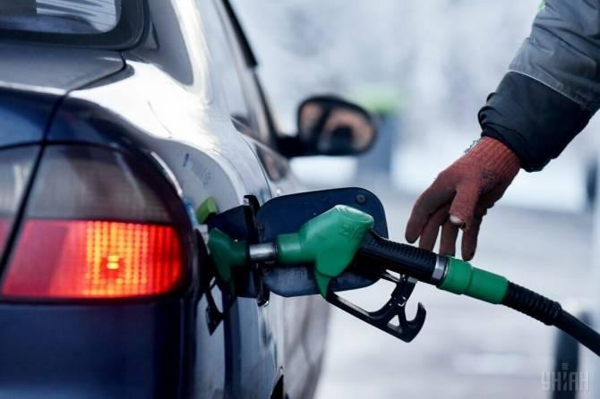 В Брянской области перед Новым годом резко подорожал бензин